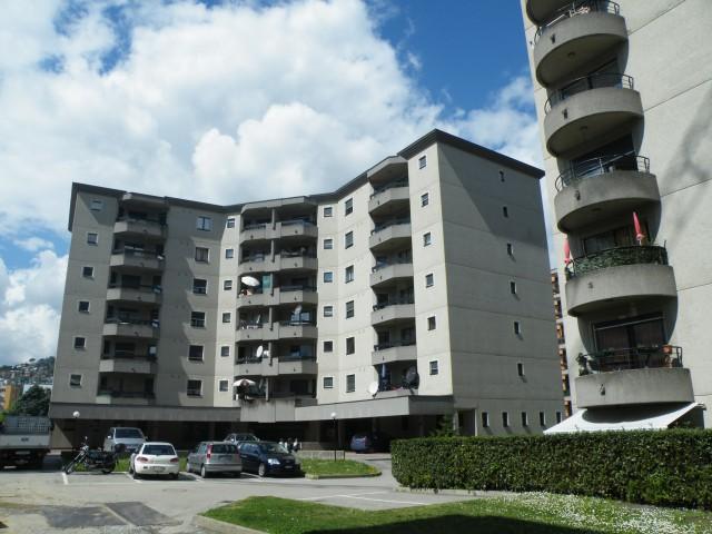 Pregassona - 4.5 loc. doppi servizi e balcone 24512487