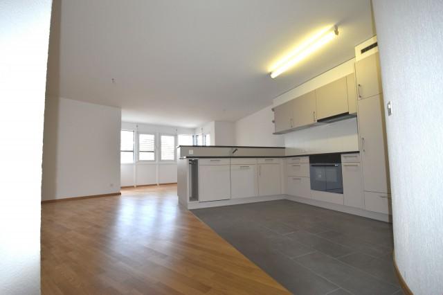 Renovierte 2-Zimmerwohnung mit neu sanierter Küche! 24070156