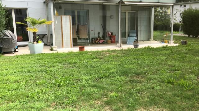 Grosszügige Parterre Wohnung mit Gartensitzplatz 30264335