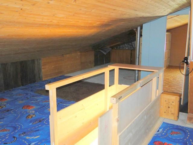 Dachstock mit kleinem Zimmer