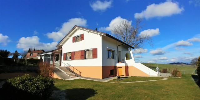 Villa très ensoleillée en bordure de zone agricole 28775228
