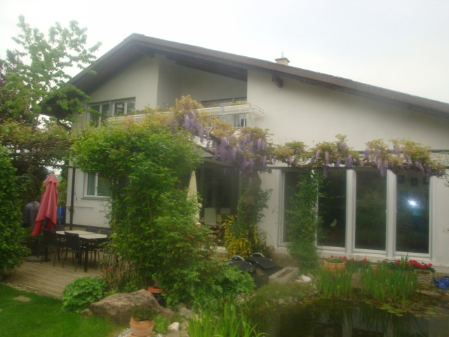 Freistehendes Landhaus 24425863