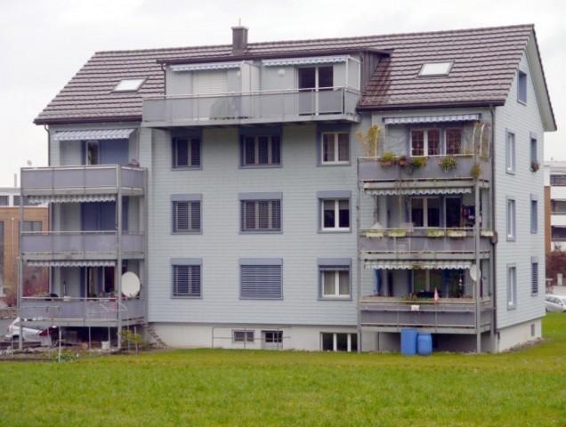 Ideale Dachwohnung für Singles oder Pendler 33276807
