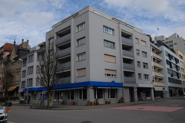 Totalsanierte 4.5-Zimmerwohnung an zentraler Lage mit Balkon 27004280