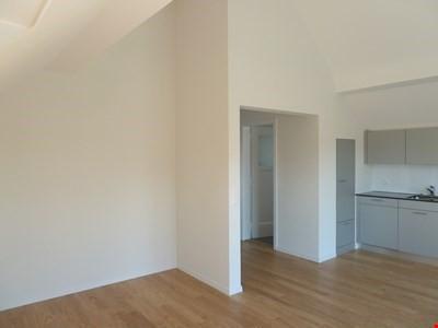 helle 2-Zimmerdachwohnung in Köniz 21680556