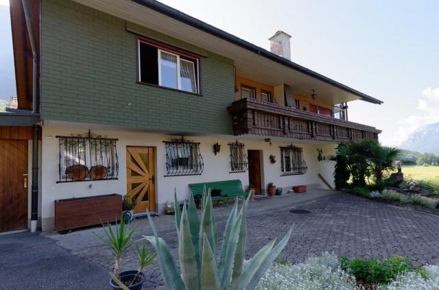Sonniges Haus mit Einliegerwohnung 24795544