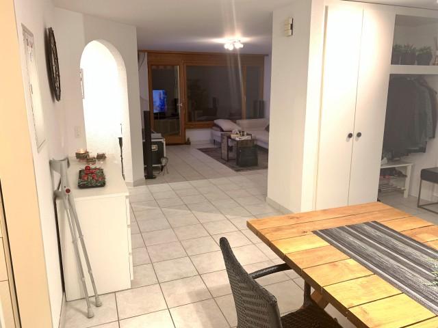 Günstige 3.5 Zimmer Wohnung 1400.- inkl.Nbk. Garagenplatz +  31566567