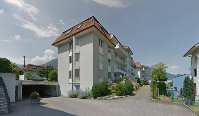 Grosse, helle 4 ½ Zimmer-Wohnung mit Balkon und Einstellhall 20033172