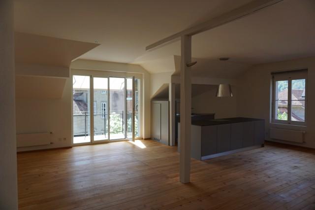 Umgebaute loftartige 3.5-Zimmerwohnung mit Balkon 30370426