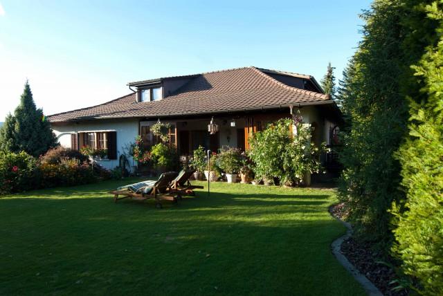 Gepflegtes Landhaus mit unverbaubarer Aussicht auf den Jura 20453359