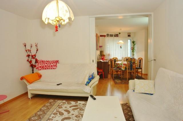 Zwei spannende, preisgünstige 3.5-Zimmer-Wohnung am Eingang  26722382