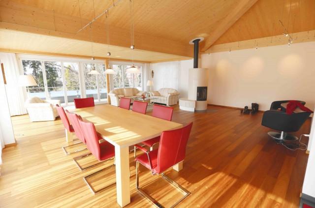 Luxuriöse 6.5 Zimmer-Attikawohnung an sehr guter Wohnlage! 23526875
