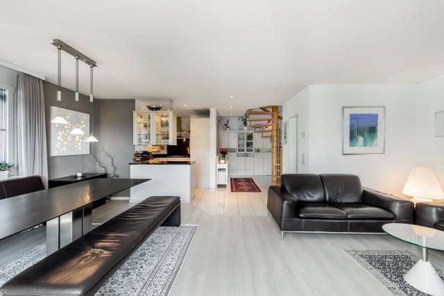 Helle und grosszügige 4.5-Zimmer Dach-Maisonette mit Keller+ 22865619