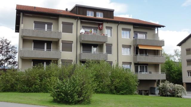 Grosszügige 4 1/2-Zimmer-Wohnung 3. OG 21595461