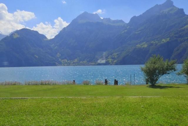 Wohnen wie ein Star - luxuriöse Villa direkt am See mit priv 30948628