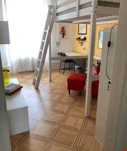 Zimmer Etage 1