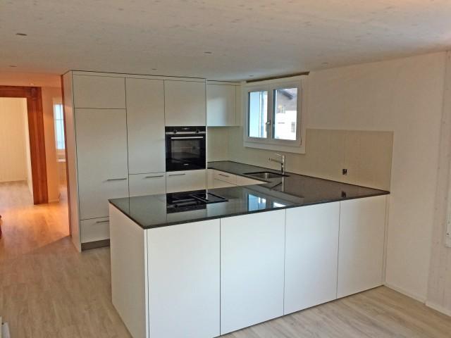 Komplett neu-sanierte 3,5 Zimmer-Wohnung mit Terrasse 32264079