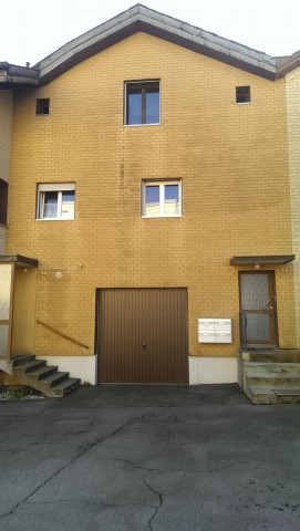 4 1/2 Zimmer-WHG im Erdgeschoss in Oberurnen an zentraler La 27447228