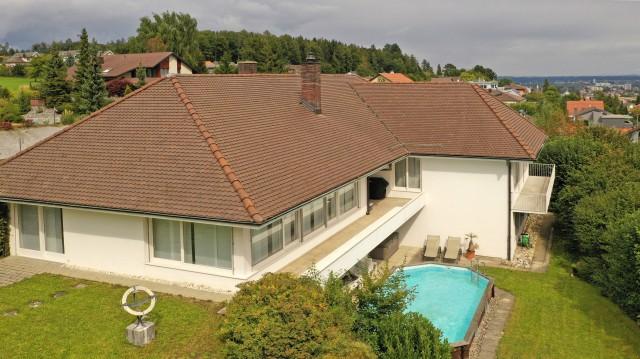 10-Zi Wohnhaus mit Kamin,Schwimmbad,Doppelgarage,auch als Fi 31799951
