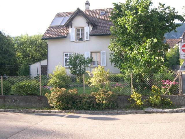 Schmucke, renovierte 2-Zimmer-Altbauwohnung mit grossem Gart 30289803