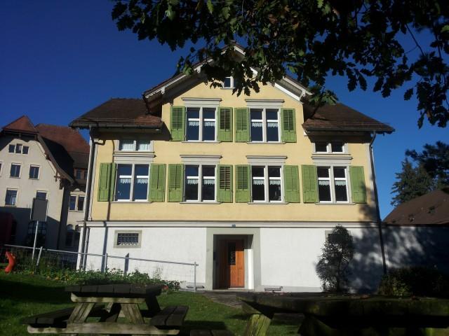 Neuwertige 2.5-ZImmer-Wohnung (OG1) bei Post/Bahnhof/Dorfzen 25961955