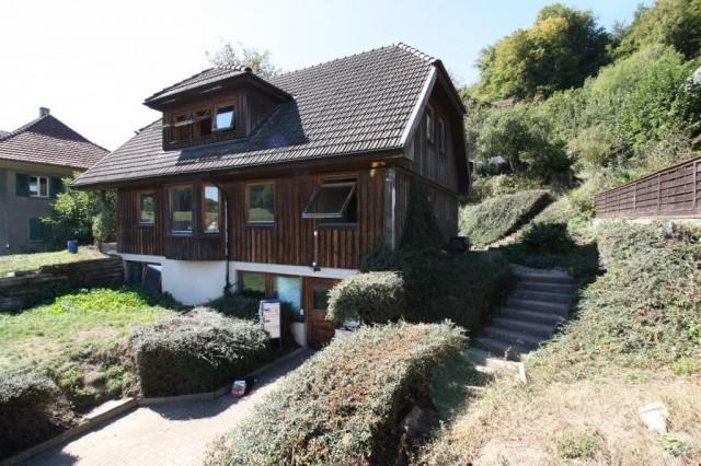 Skandinavisches Wohnhaus 27045747