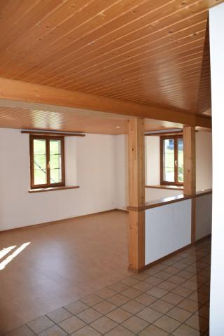 schöne, helle 2.5 Zimmer Wohnung zu vermieten 26722695