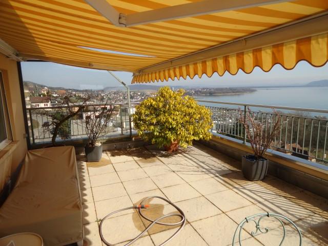 Splendide attique Est avec magnifique vue et grande terrasse 22784921