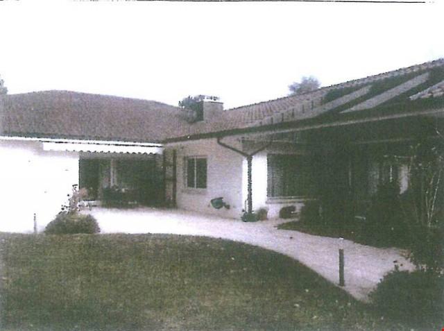Zu Verkaufen Villa mit Hallenbad 27018145