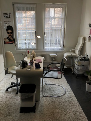helles Zimmer (geeignet für Büro, Pediküre, Nails) 24882217