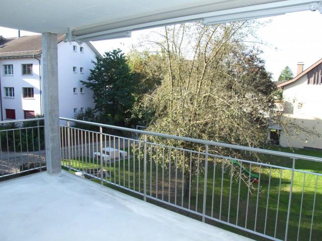 Moderne 3.5Z im Dorfzentrum mit grossem Balkon 32262691