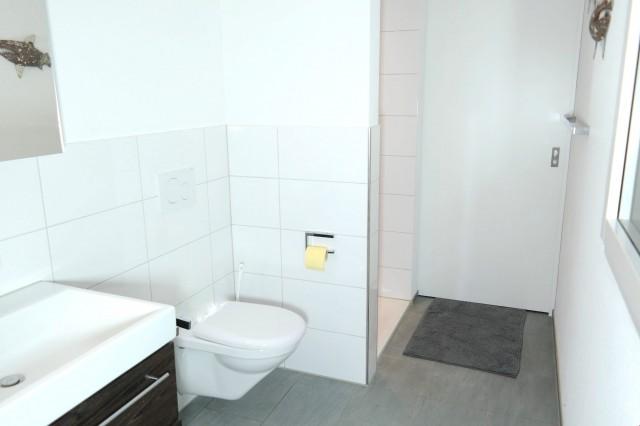 Abtrennbares Badezimmer mit Schiebtüre