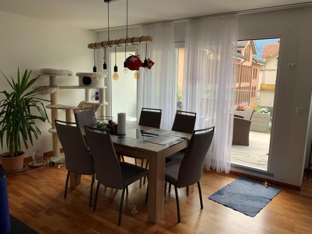 Grosse, helle 4 1/2 Zimmer Wohnung mit schöner Terasse 30359435