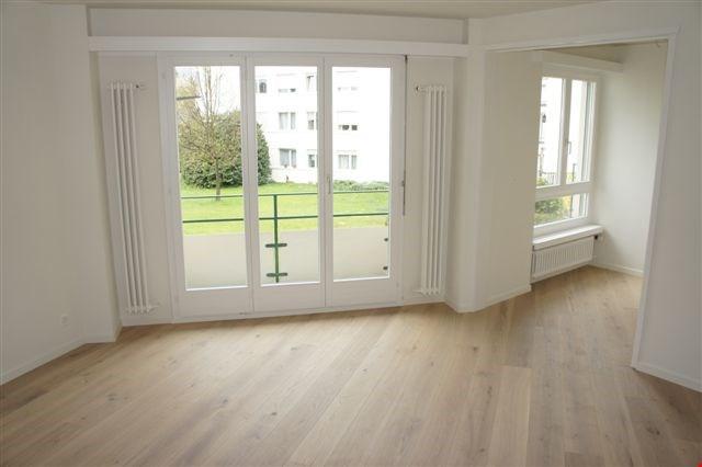 2-Zimmer Wohnung mit Balkon im 1.OG, West 24795236