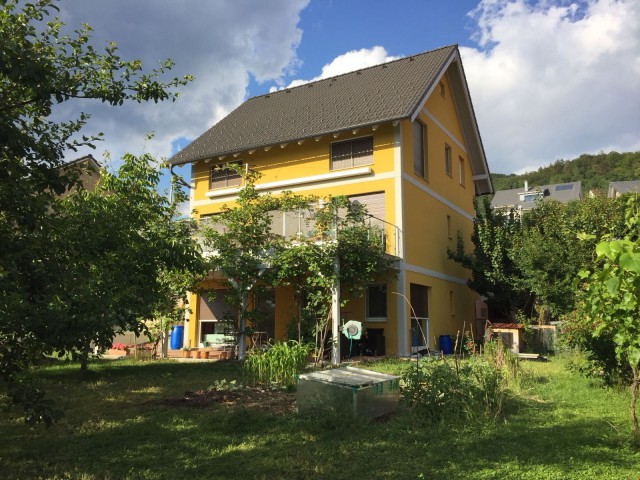 5.5 Zimmerhaus mit wunderschöner Aussicht 25120844