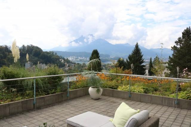 Traumhafte Maisonette-Wohnung mit bester See- und Bergsicht  21295215