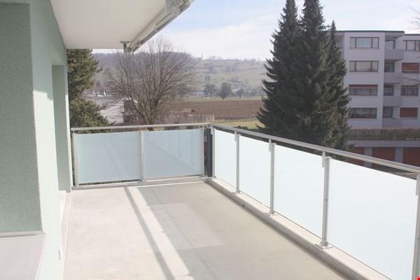 Süd-/Ost-Balkon