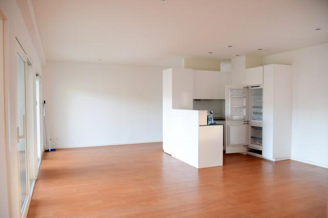 Helle und moderne 2 ½ Zimmer Wohnung mit Balkon, WM/TU, Kell 32724599