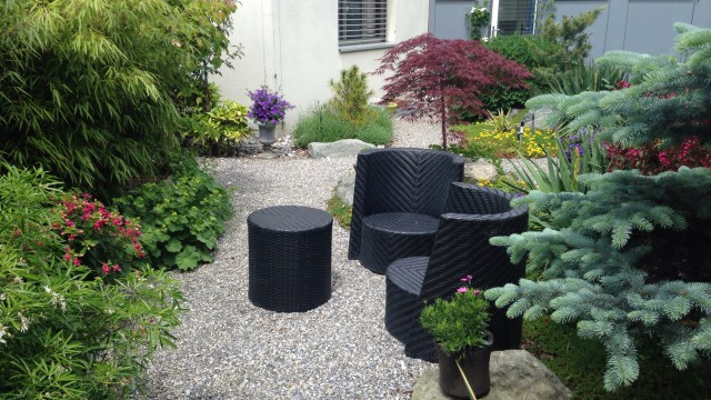 Bonsaigarten mit Sitzecke