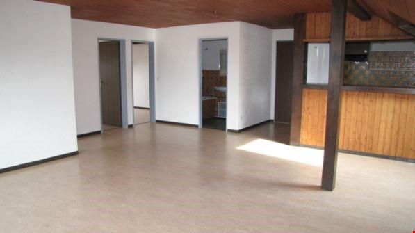 Blick vom Wohnzimmer zum Bad und den Schlafzimmern