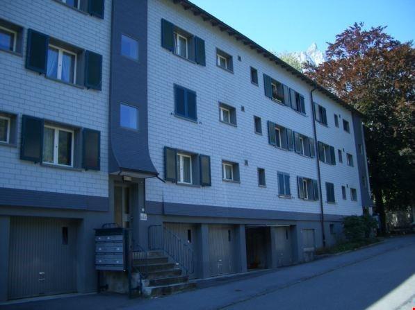 Charmant Wohnen im Zentrum von Glarus 30687086