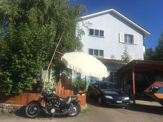 Sonnige Wohnung mit grossem Garten in 2-Familienhaus 31492699
