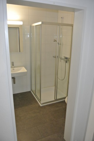 Badezimmer mit WC/Lavabo/Dusche