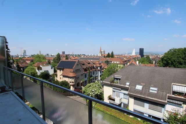 Helle 3½ -Zi-Whg mit fantastischer Aussicht über die Dächer  24414996
