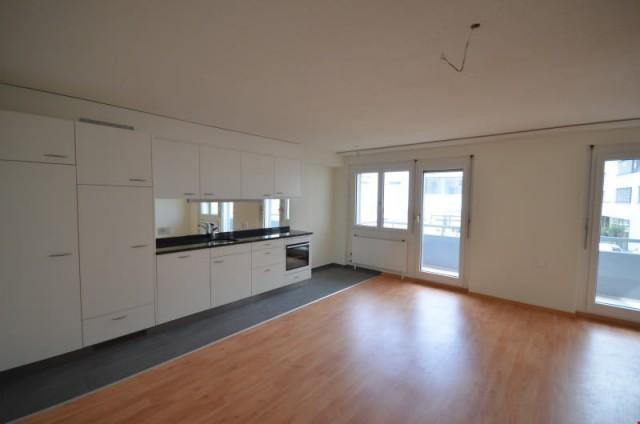 moderne 2.5-Zimmerwohnung mit Balkon, im Zentrum, Nähe Bahnh 27004278