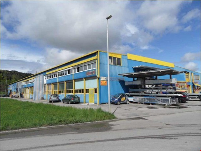 Halle industrielle de 1117 m2 à louer à Porrentruy 30637137