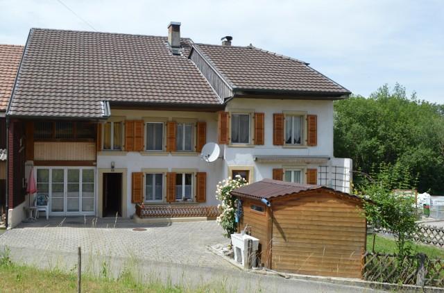 Opportunité : maison villageoise, à Vully-les-Lacs 25532025