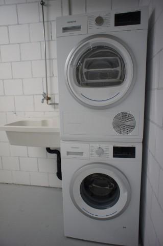 Eigene Waschmaschine & Tumbler in Keller