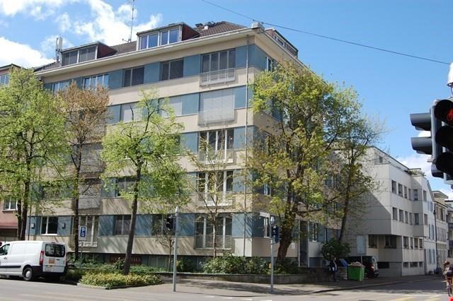 grosse 3 1/2- Zimmerwohnung mit Balkon zum grünen Hinterhof 31579960