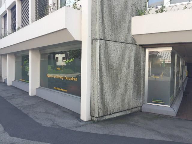 Ladenräumlichkeiten an top Lage 31154236